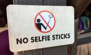interdictie selfie stick